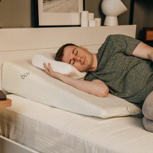 Клиновидные подушки для людей ростом от 175 сантиметров